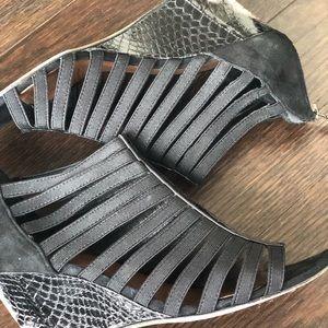 Donald J Pliner strappy wedges w/snakeskin heel